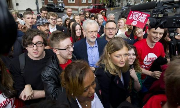 corbynmobbed