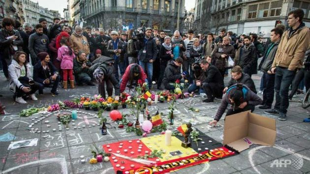brussels-candles