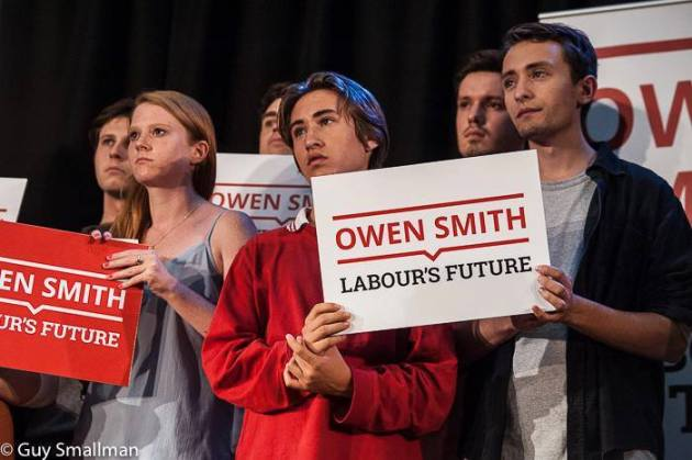 Smith's alleged supporters hardly look inspired