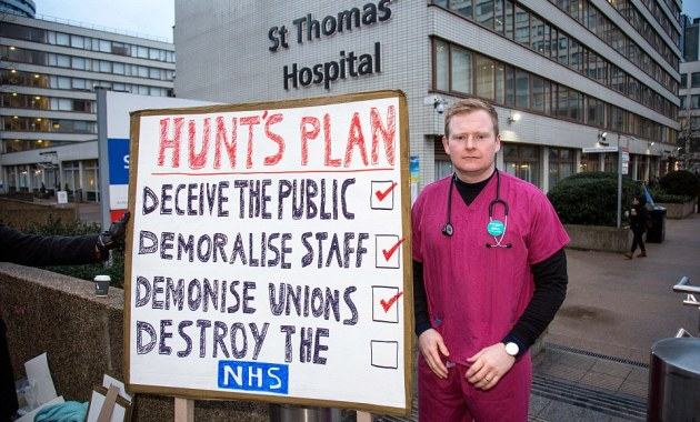 310c597800000578-3440125-jeremy_hunt_was_accused_of_working_to_destroy_the_nhs_by_one_str-a-71_1455098452364